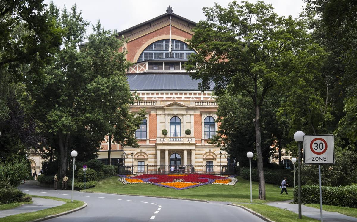Fachada del Festspielhaus de Bayreuth. © Bayreuth.es