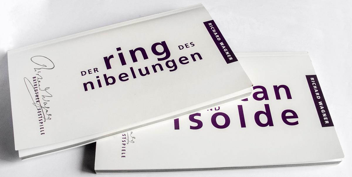 Libretos comprados en las taquillas del Festspielhaus. © Bayreuth.es